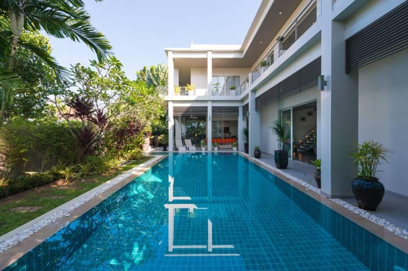 Solar-Powered Non Estate Villa